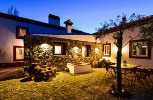 Alojamiento con desayuno y cena para 2 en Portalegre-Marvâo